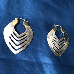 Midnight shell earrings