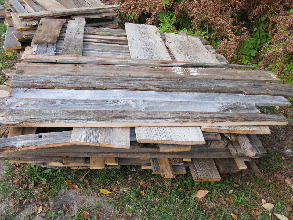 "Barn Board Value Pile. 1"" x 6""-12"". 4'-6' lengths.  SKU 1088"