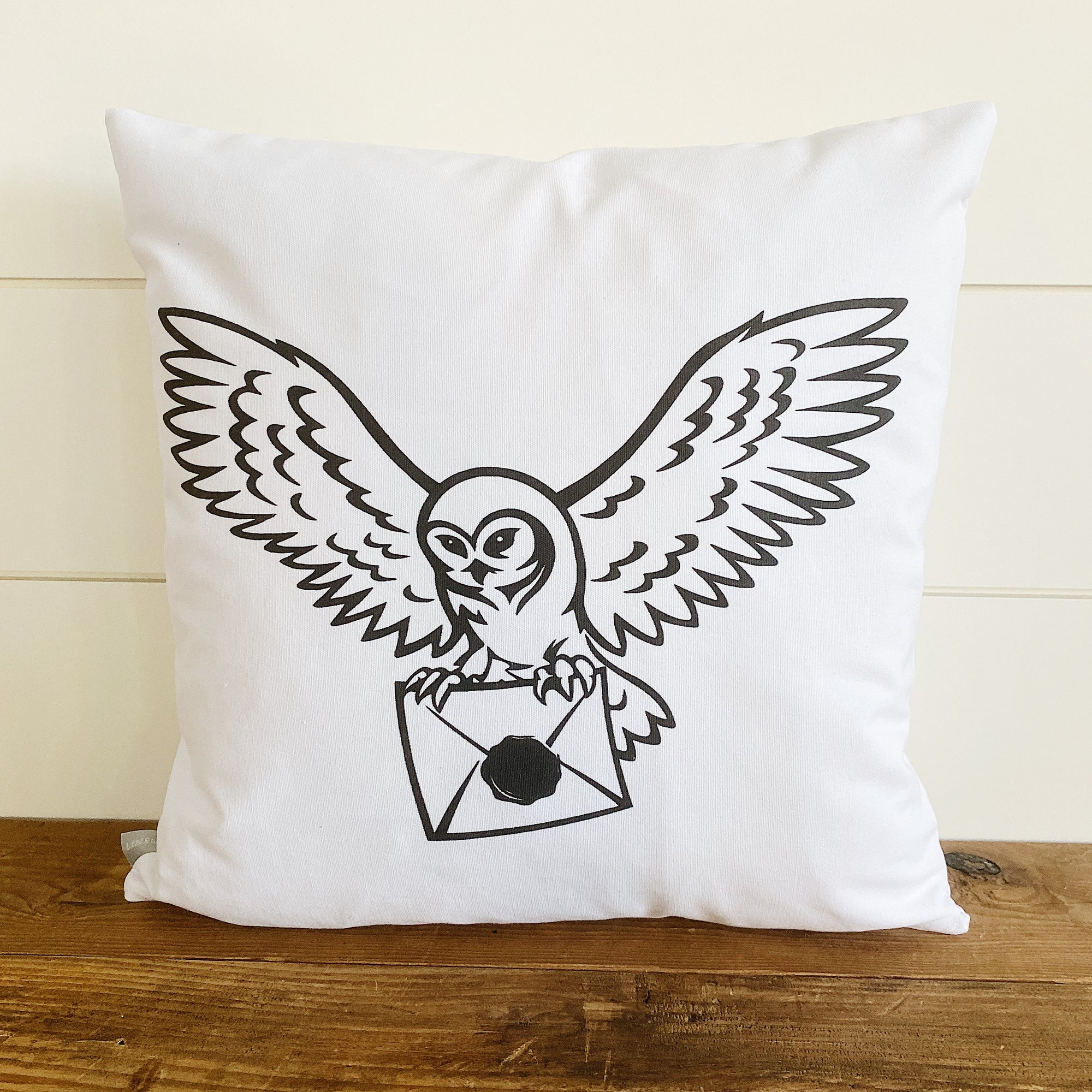 Hedwig (Harry Potter) Pillow Cover - Linen and Ivory