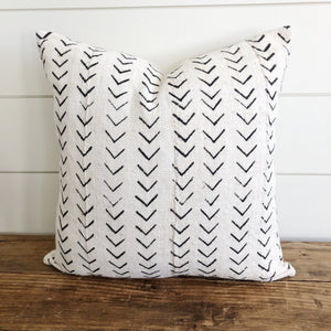 """Adeline"" Authentic African Mud cloth Pillow Cover - Linen and Ivory"