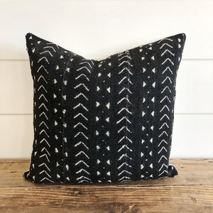 """Esmee"" Authentic African Mud cloth Pillow Cover - Linen and Ivory"