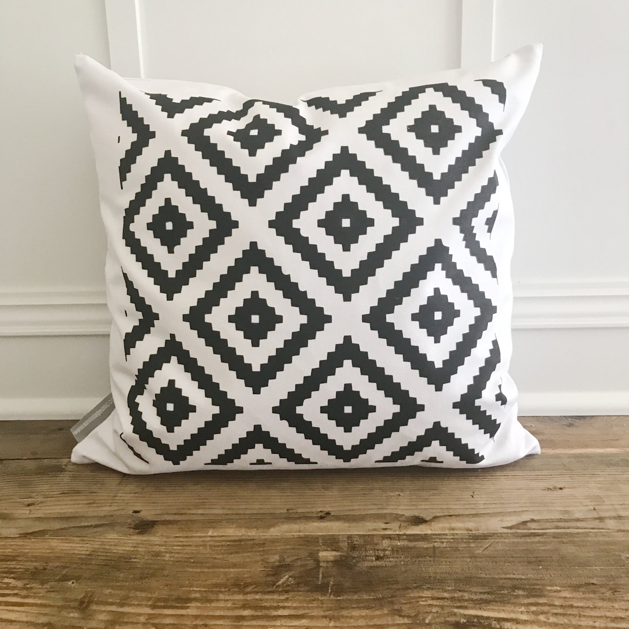 Aztec Pillow Cover (Design 4) - Linen and Ivory