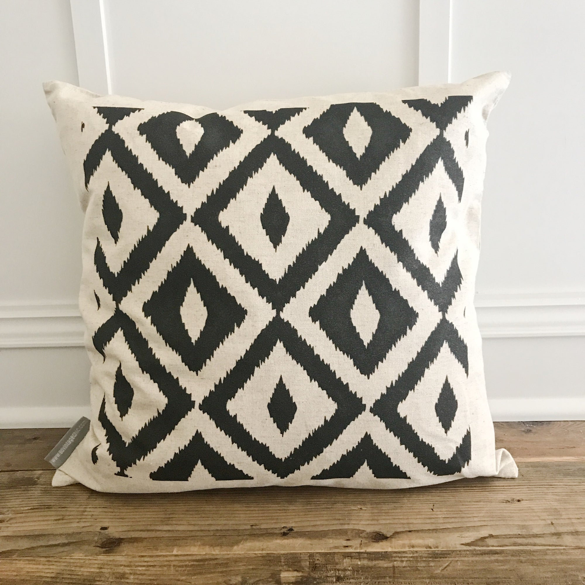 Aztec Pillow Cover (Design 3) - Linen and Ivory