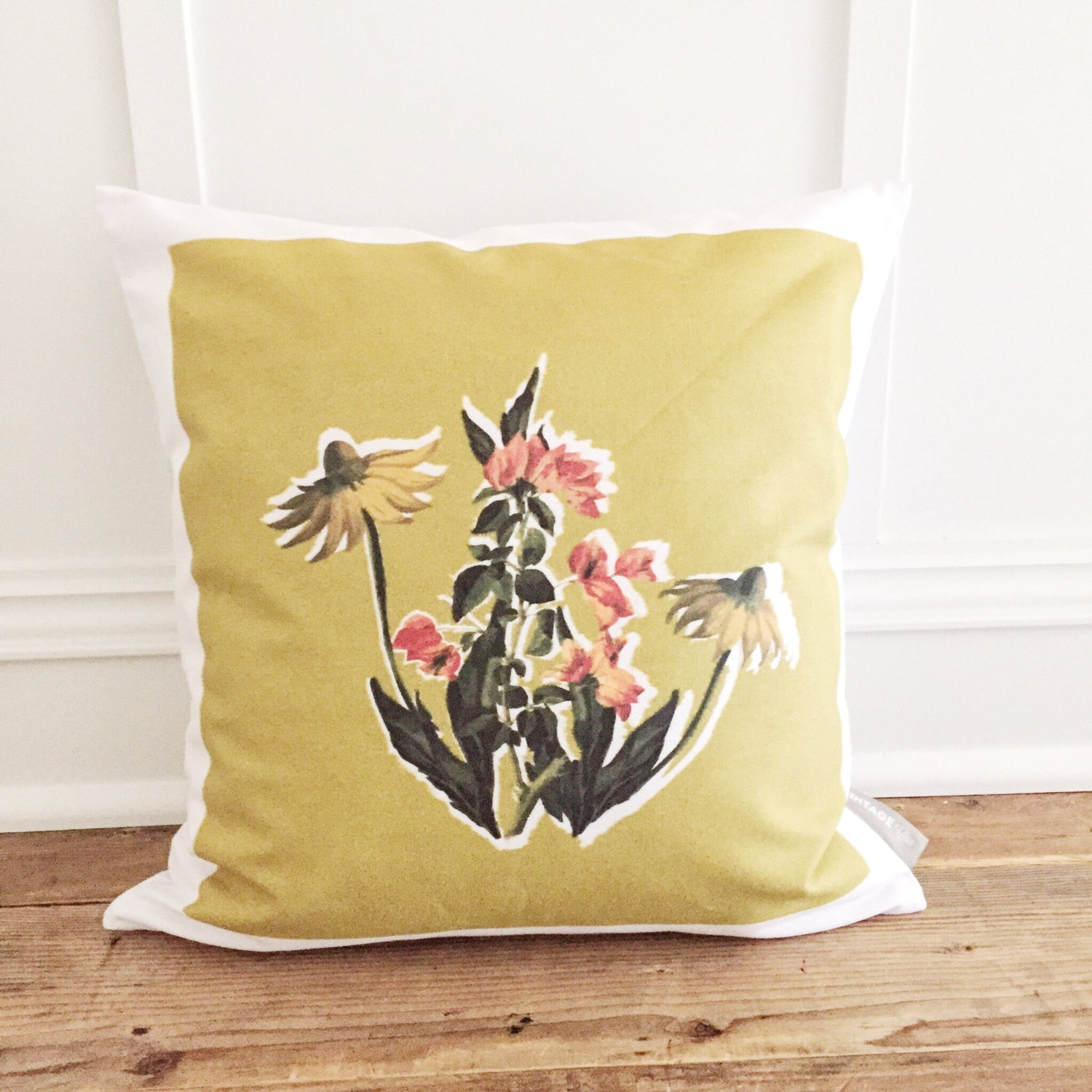 Retro Floral Pillow Cover - Linen and Ivory
