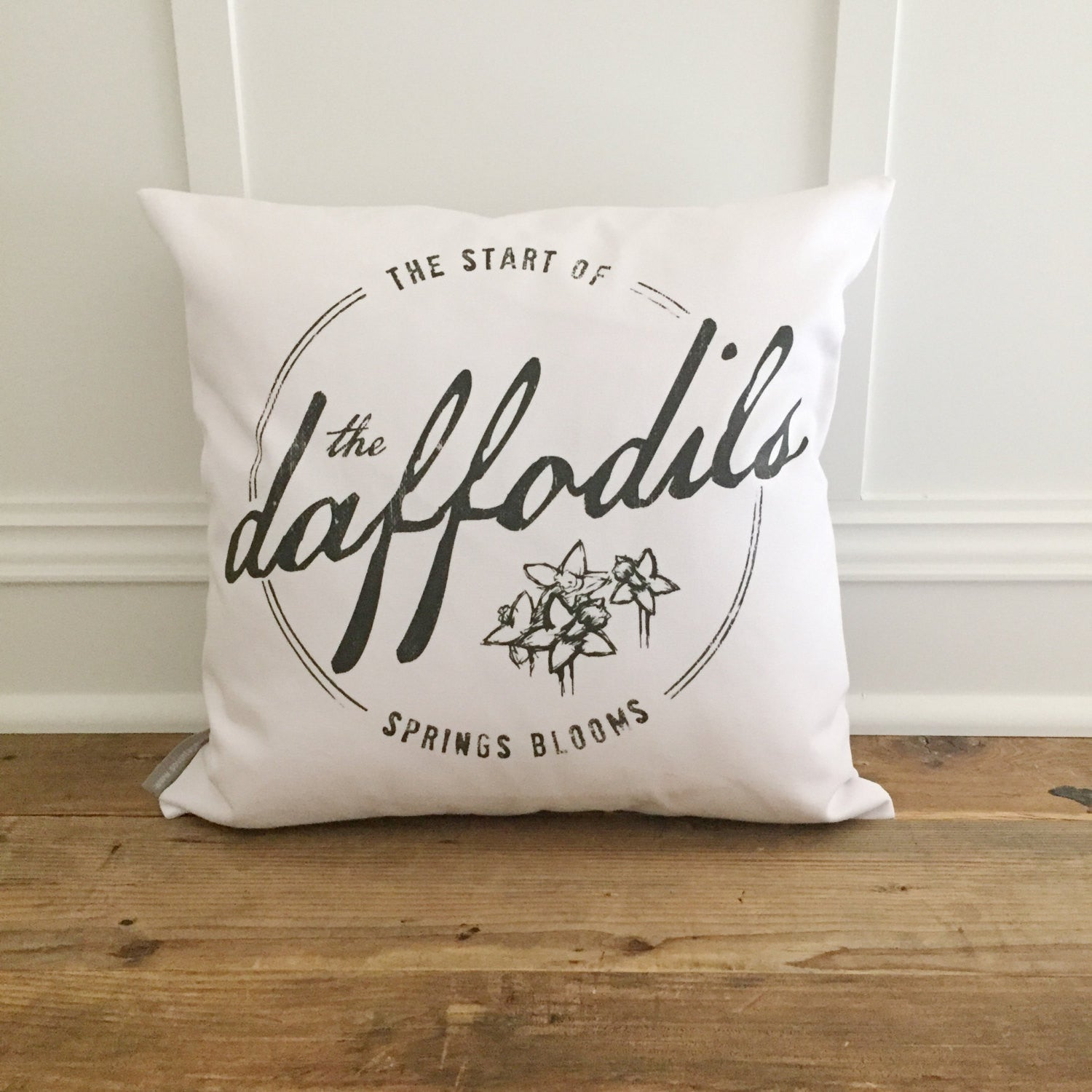 Daffodil Pillow Cover - Linen and Ivory
