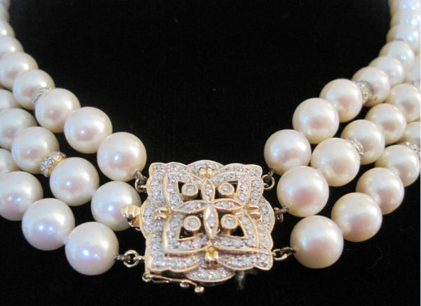 White Freshwater Pearls Necklace