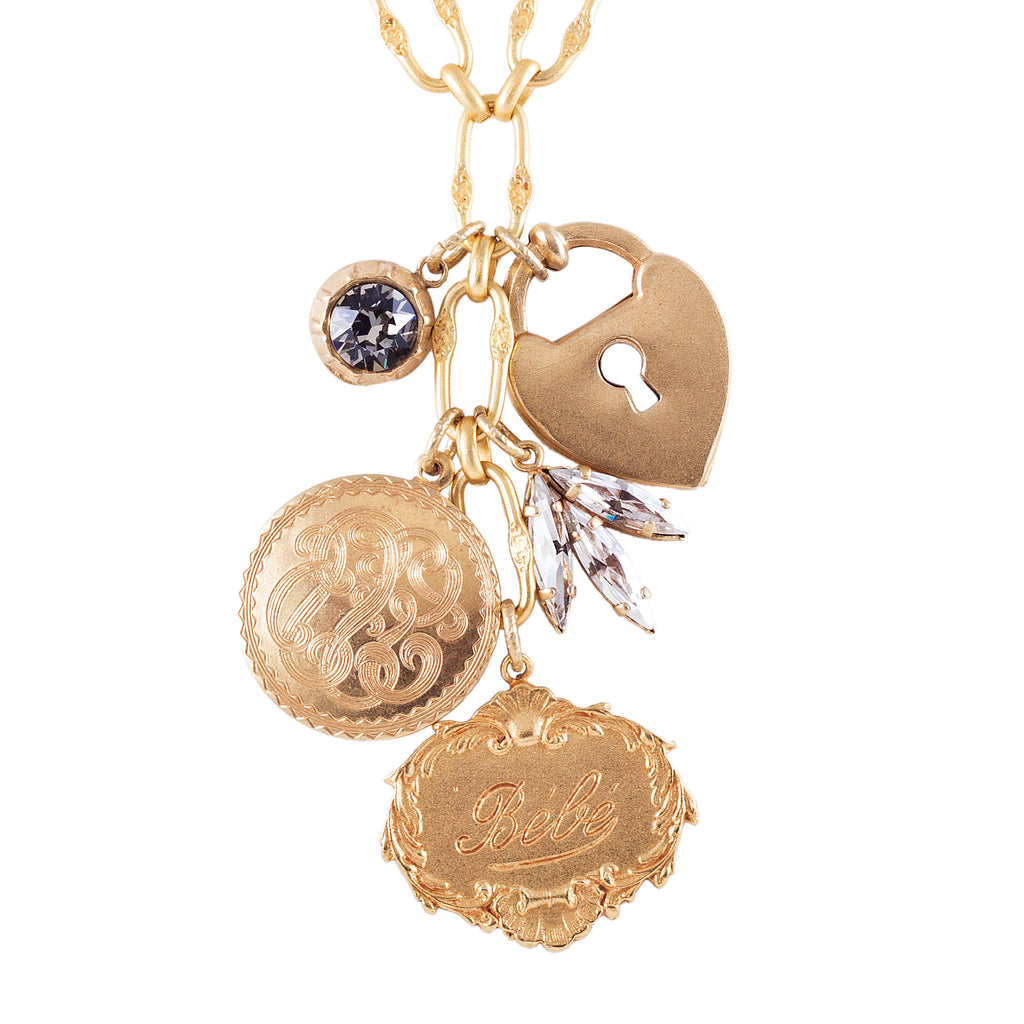 La Vie Bebe necklace
