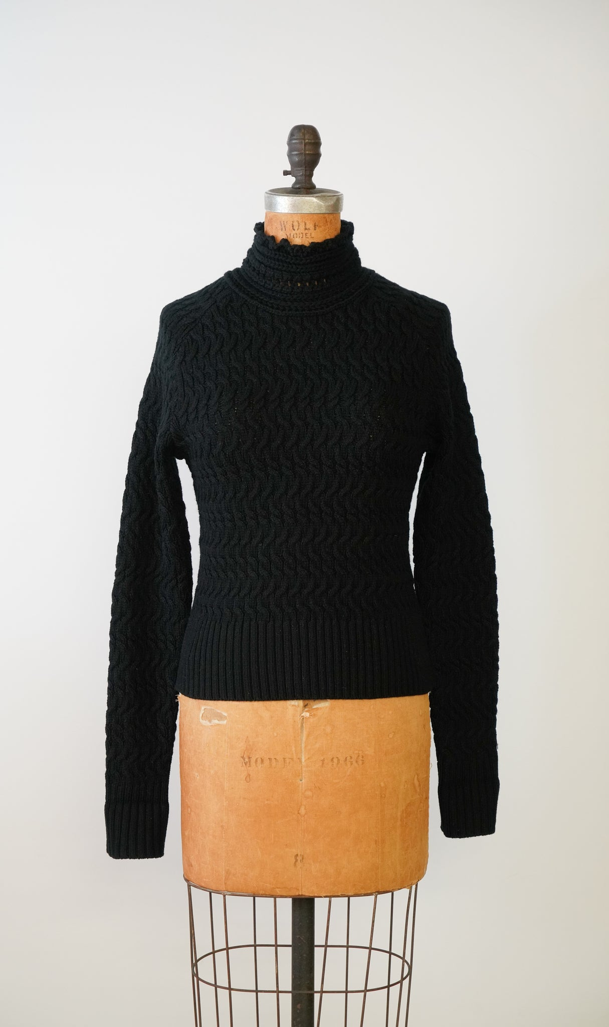 The 'Dyer' Rollneck in Ink Black