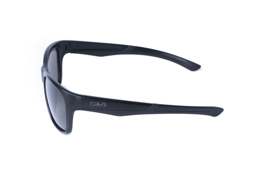 cab9-eyewear-the-edge-smoke-side-view