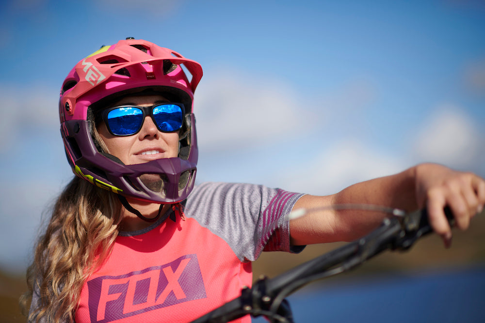 cab9-eyewear-the-edge-red-girl-mtb-rider