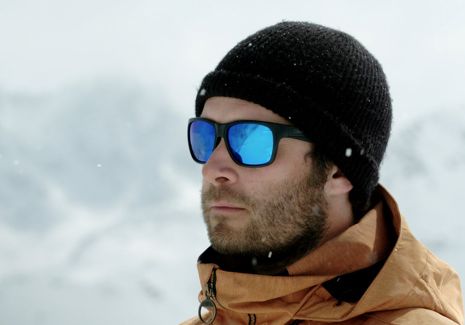 cab9-eyewear-the-edge-blue-man-in-mountains