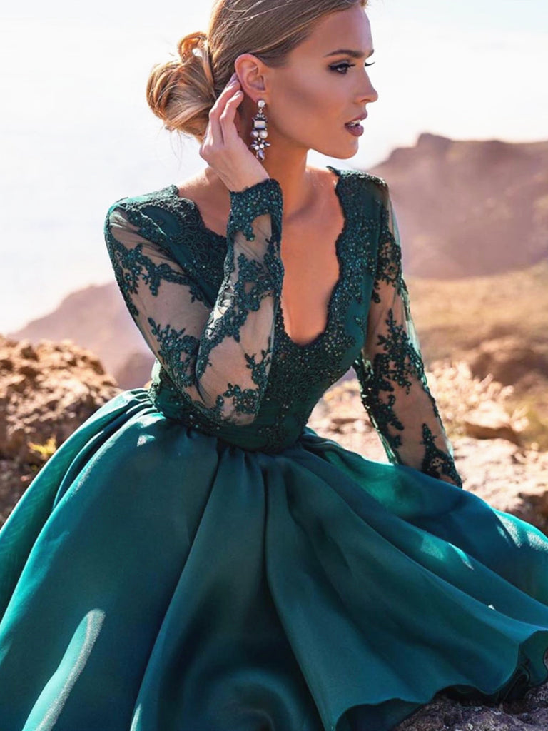 A Line V Neck Long Sleeves Short Green Lace Prom Dresses, Short Green Lace Homecoming Graduation Dresses