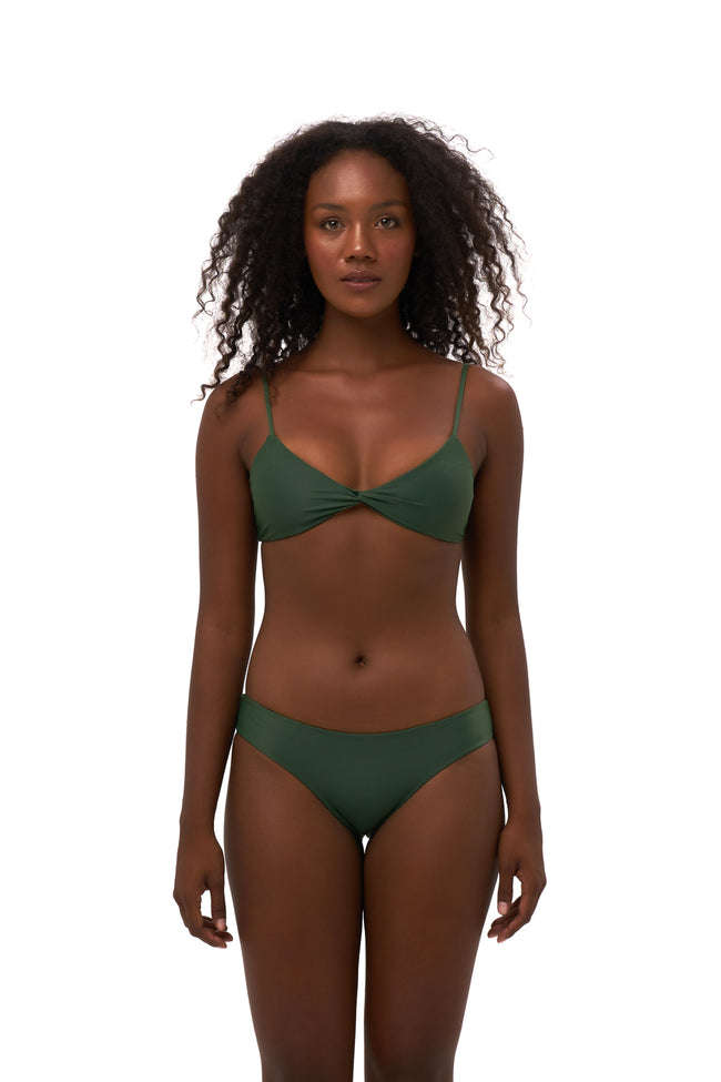 Bora Bora - Twist front padded top in Plain Bamboo