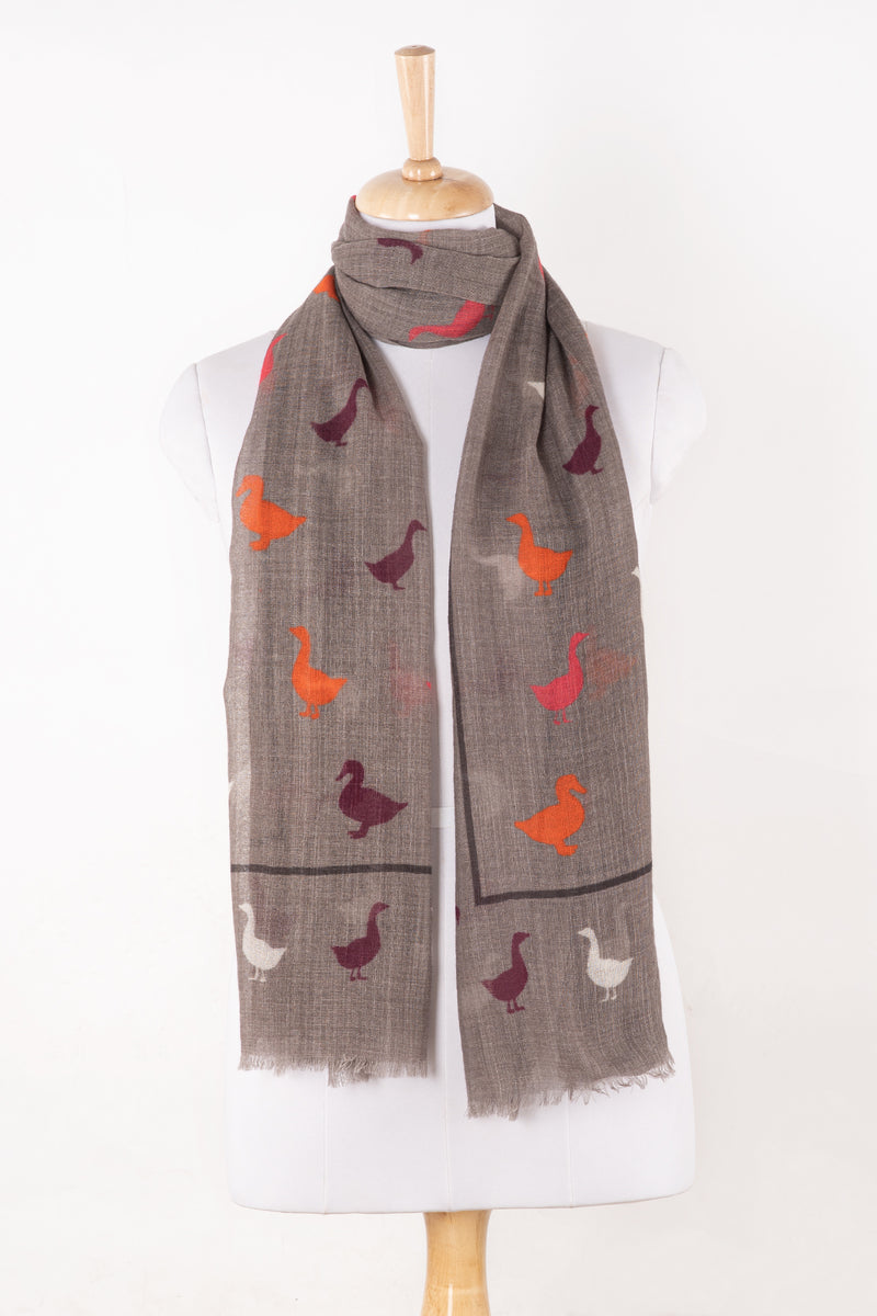 Sveze - Duck Print Merino Wool Scarf - Grey - Regular Drape