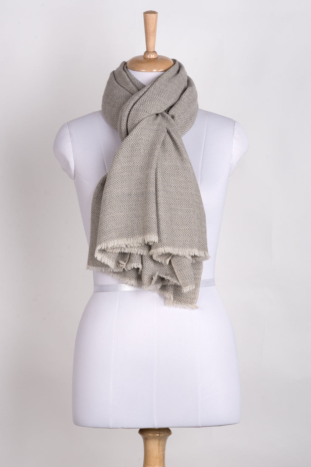 Diamond Weave Two Tone Woollen Scarf - Ice Grey