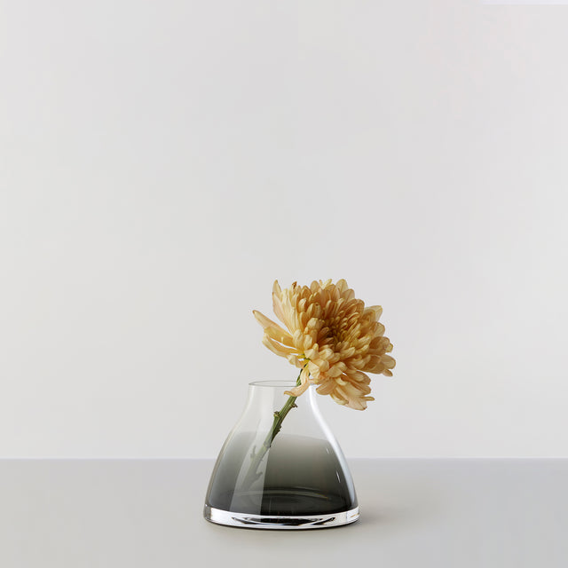 FLOWER VASE no. 1 - Smoked grey