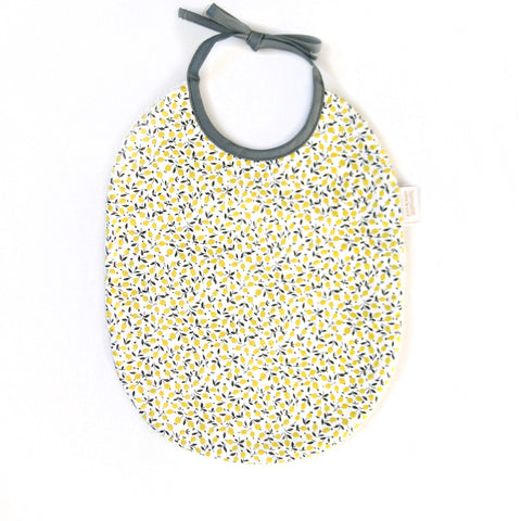 barnabe-aime-le-cafe-lemon-bib-in-liberty-fabric-baby-boy-bibs-barn-babo-lemon-01