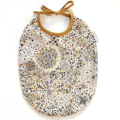 barnabe-aime-le-cafe-honore-bib-in-liberty-fabric-baby-boy-bibs-barn-babo-honore-01