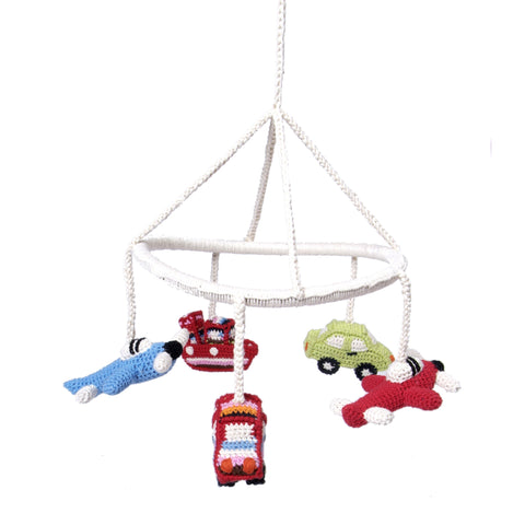 anne-claire-petit-transport-mobile-crochet-multi-01