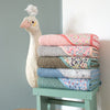 barnabe-aime-le-café-bath-towel-betty- (2)