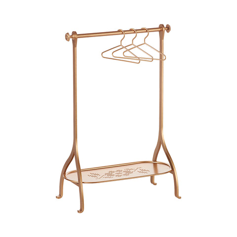 maileg-clothes-rack-gold-with-3-gold-hangers-01
