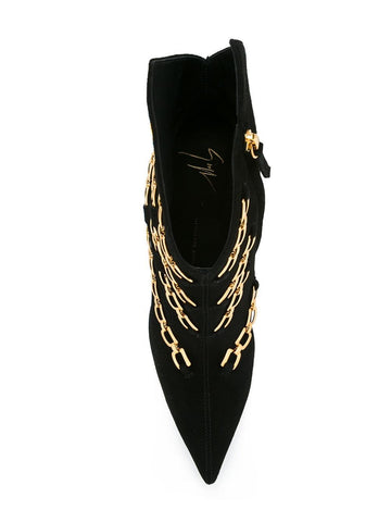 BOOTS WITH GOLD CHAINS
