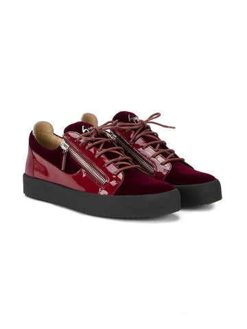 Low cut velvet sneaker
