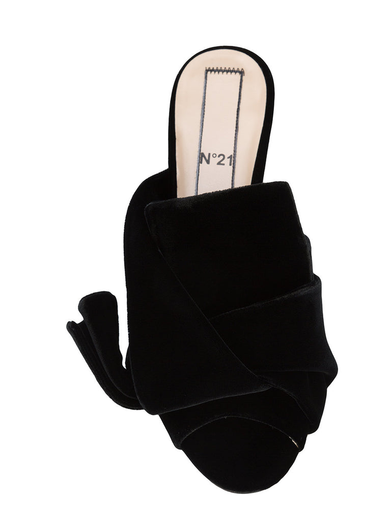 BLACK VELVET MULES FROM Nº21