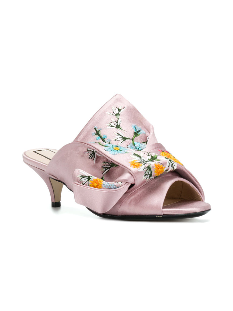 LIGHT PINK MULES WITH EMBROIDERY FROM Nº21
