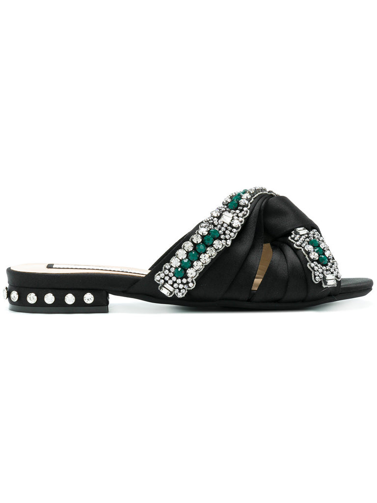 BLACK SANDAL WITH GEEN STONES FROM Nº21