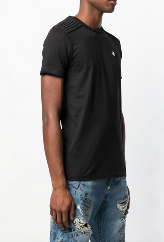 BLACK TSHIRT WITH DETAILS ON THE SHOULDER AND LOGO FROM PHILIPP PLEIN