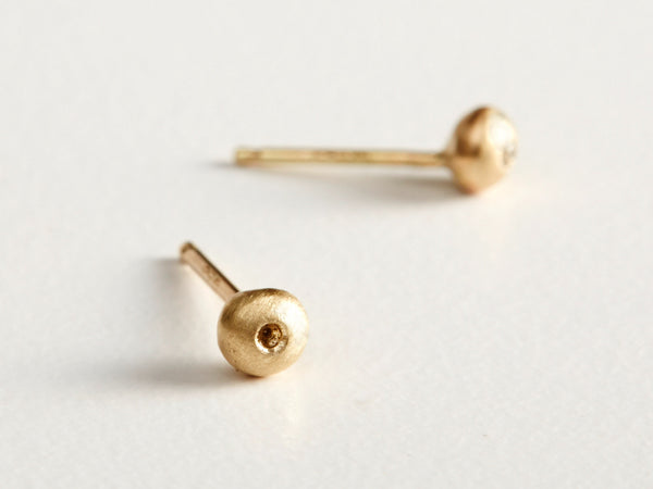 14K Tiny Bud Earrings