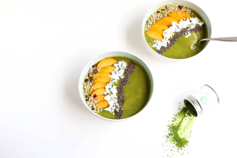 Baking-Ginger's Matcha Peach Smoothie Bowl