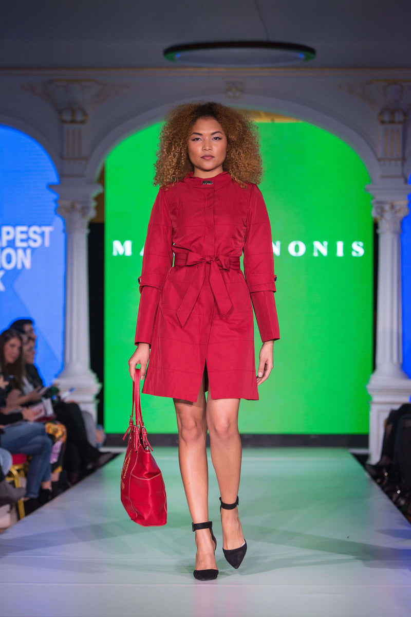 Short Chilli Red Dress - With Marvin Nonis Red Bag - mid stage