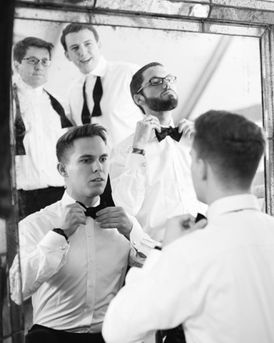 tips for groom's wedding party, tips for groomsmen, what to wear to a wedding for guys, how to wear a bow tie to a wedding, how to wear a bow tie, men's accessories, accessories for men, groomsmen, groomsman,
