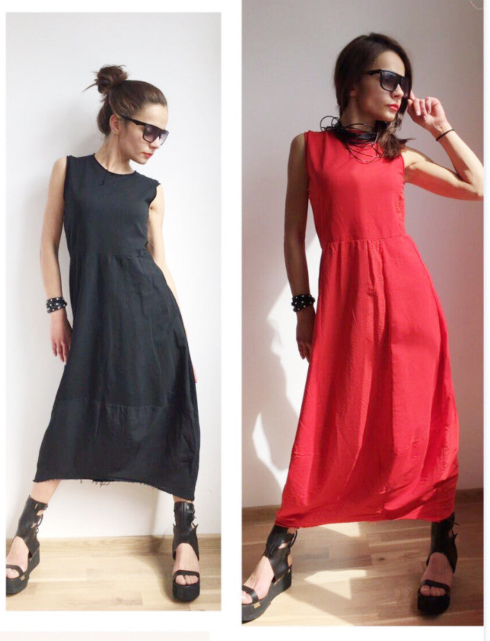 Doesn't  take that much to look glamorous - black or red dress
