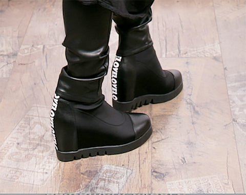 Stretch Platform Boot Black