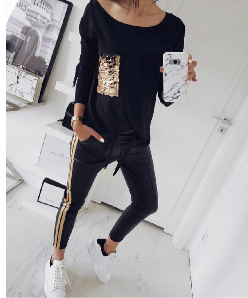 Black top whit sequin pocket, black track pants