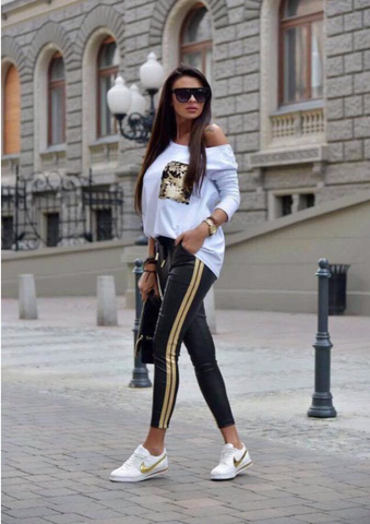 White top whit sequin pocket, track pants