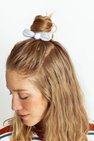 Scrunchie Textured White