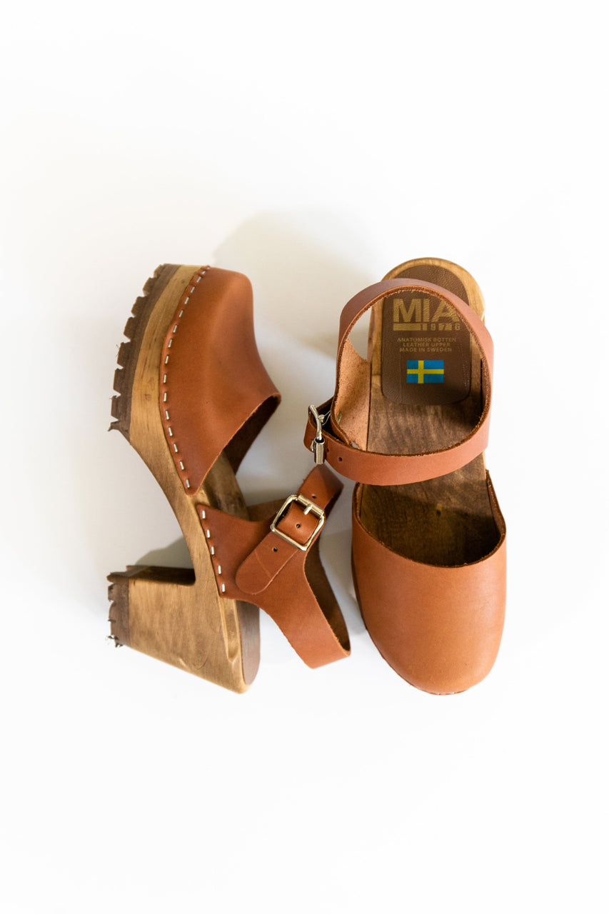 Mia Abba Clog Luggage Leather