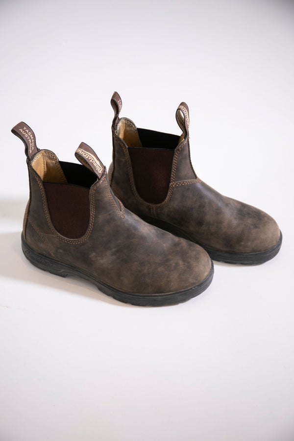 Blundstone 550 Chelsea Boots in Rustic Brown #585