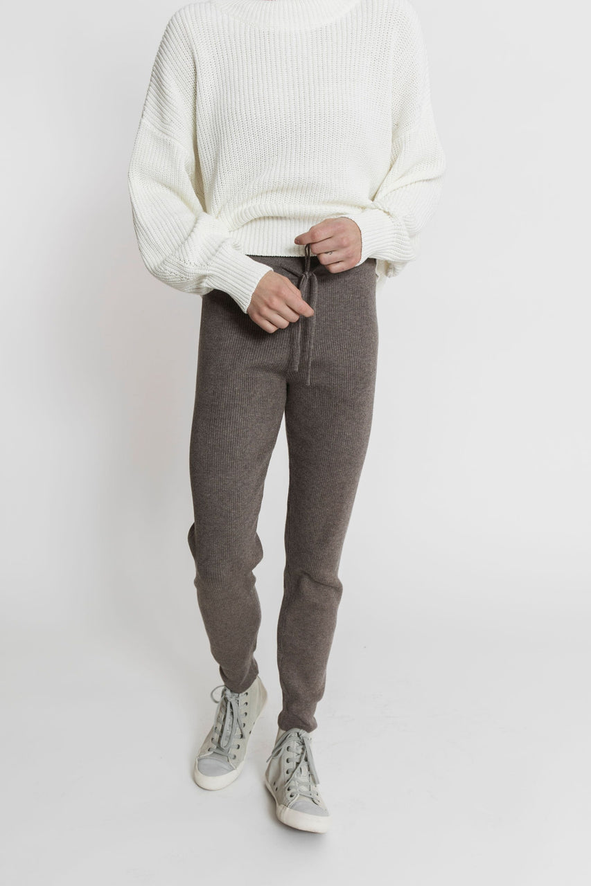 Hobbes Ribbed Pant in Heather Mocha