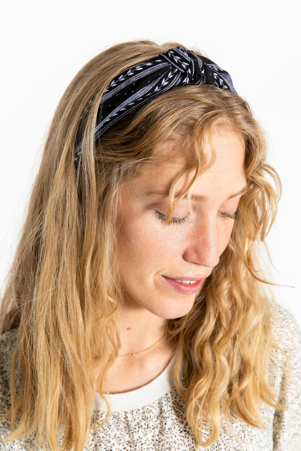 Knotted Headband Black Pattern