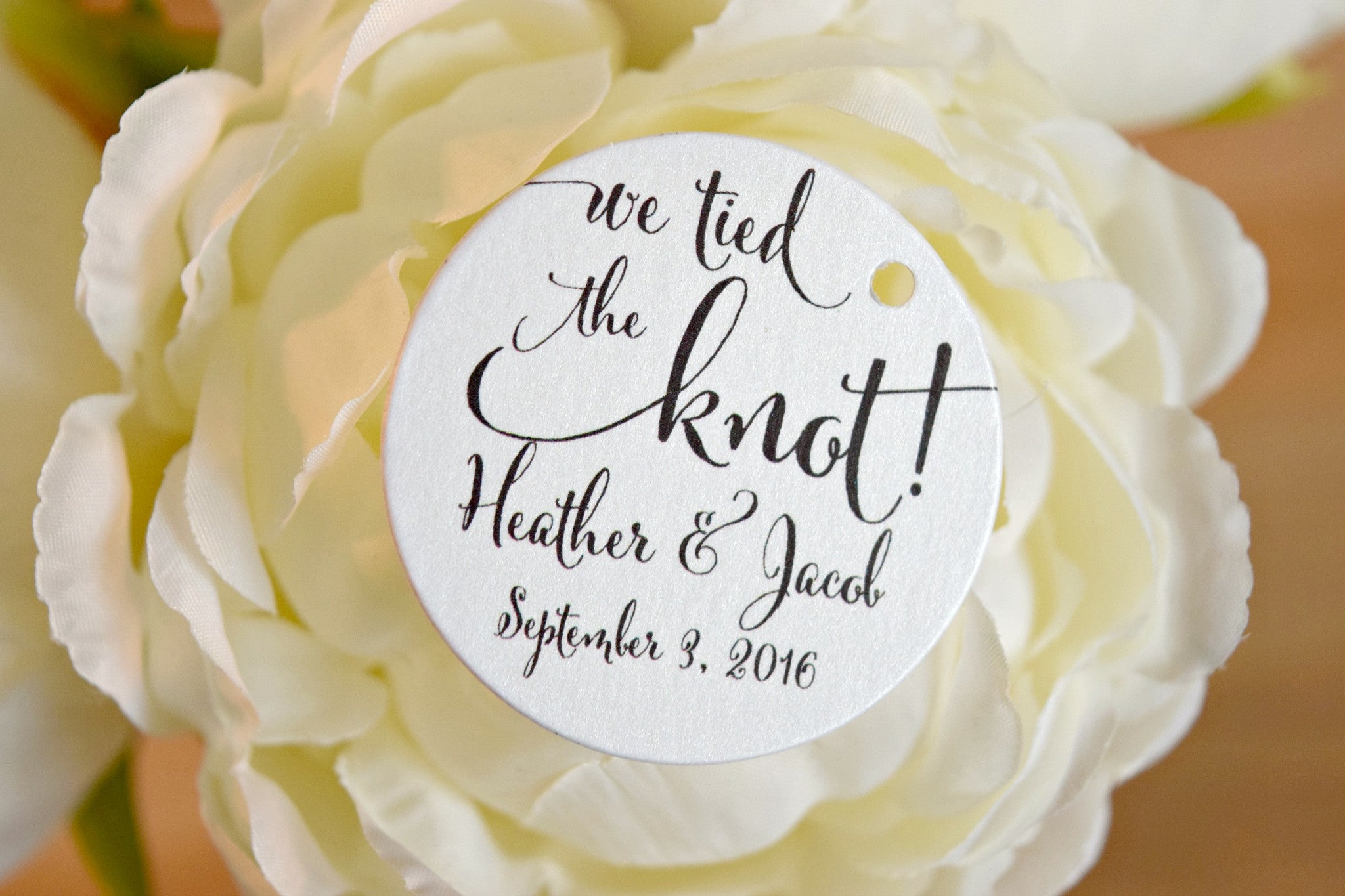 SET OF 15 we tied the knot wedding favor tags – Behind the Reams