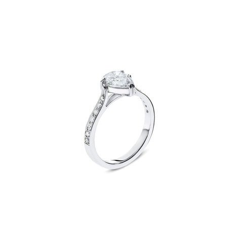 750 18k White gold 1ct Pear shape Diamond Engagement ring with Pave shoulders white diamond Berlin