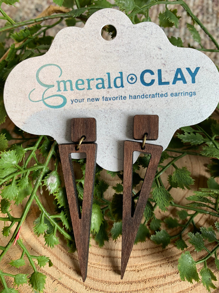 "Load image into Gallery viewer, Emerald & Clay ""Spear"" Wood Earrings"