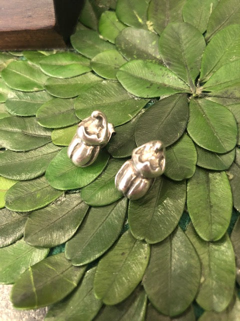 Uno de 50 Silver Scarab Earrings
