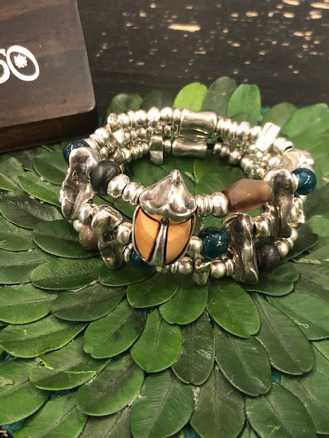 Load image into Gallery viewer, Uno de 50 Scarab Stretch Bracelet