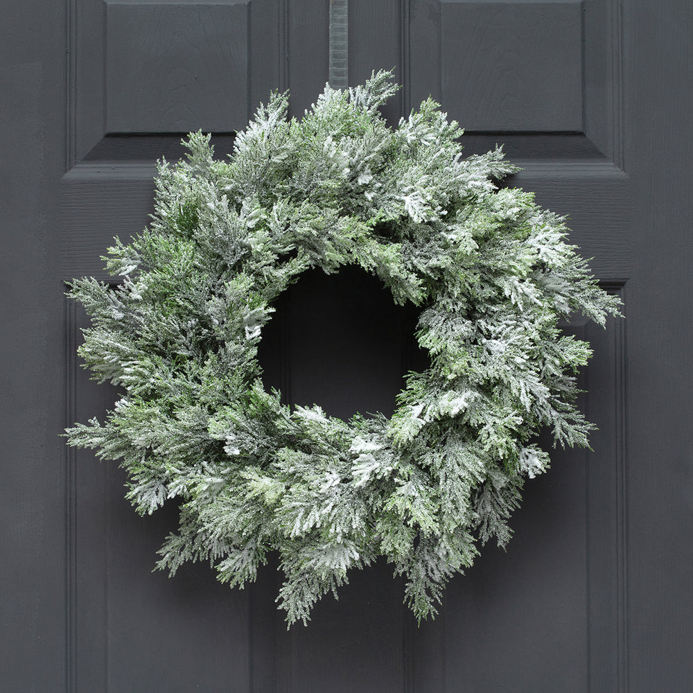 "20"" Cedar Snow Wreath V4660"